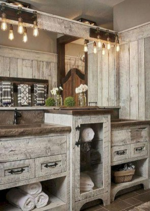 Stunning Rustic Farmhouse Bathroom Design Ideas 24