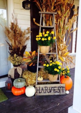 Awesome Fall Entryway Decoration Ideas That Will Make Your Neighbors Insanely Jealous 35