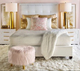 Beautiful White Bedroom Decoration That Will Inspire You 15