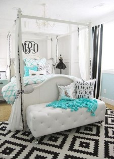 Beautiful White Bedroom Decoration That Will Inspire You 36