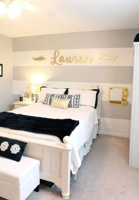 Beautiful White Bedroom Decoration That Will Inspire You 38