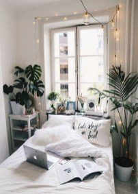 Beautiful White Bedroom Decoration That Will Inspire You 43