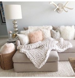 Cozy And Relaxing Living Room Design Ideas 11