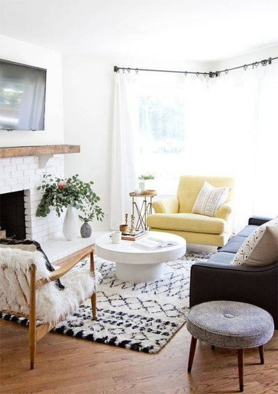 Cozy And Relaxing Living Room Design Ideas 18