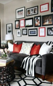 Cozy And Relaxing Living Room Design Ideas 22