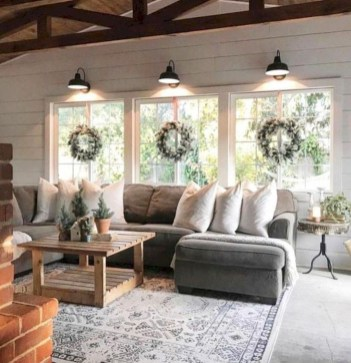 Cozy And Relaxing Living Room Design Ideas 30