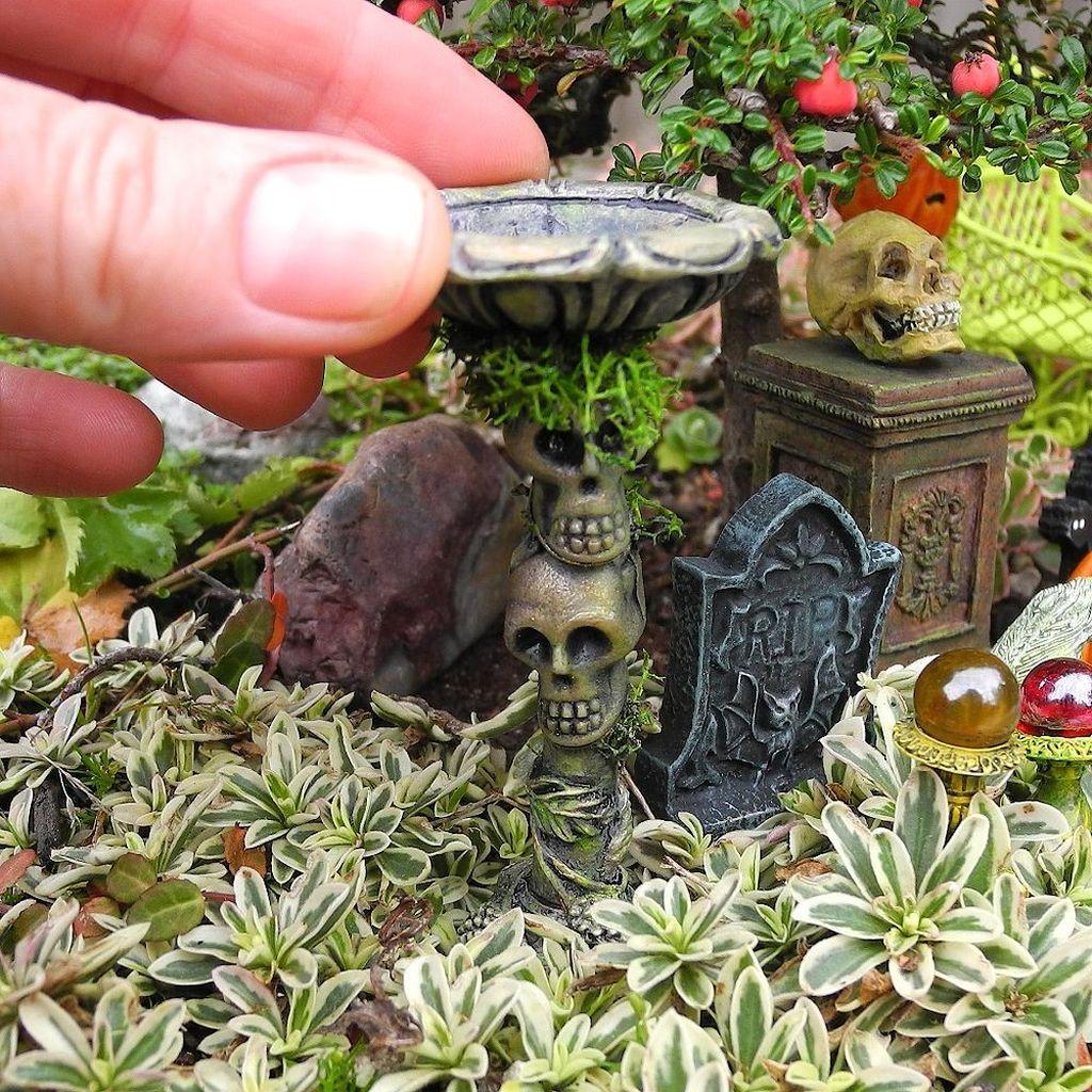 Cute Fairy Garden Design Ideas 40
