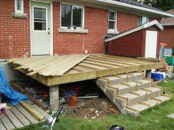 Easy DIY Wooden Deck Design For Your Home 40