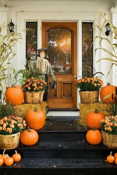Easy Fall Porch Decoration Ideas To Make Unforgettable Moments 09