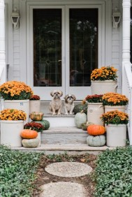 Easy Fall Porch Decoration Ideas To Make Unforgettable Moments 10