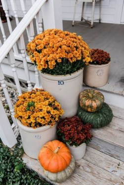 Easy Fall Porch Decoration Ideas To Make Unforgettable Moments 27
