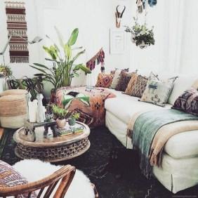 Elegant Bohemian Style Living Room Decoration Ideas 39