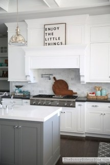 Elegant White Kitchen Cabinets For Your Kitchen 14