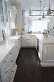 Elegant White Kitchen Cabinets For Your Kitchen 19