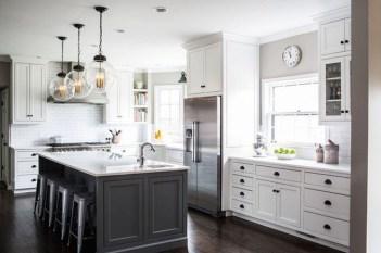 Elegant White Kitchen Cabinets For Your Kitchen 41