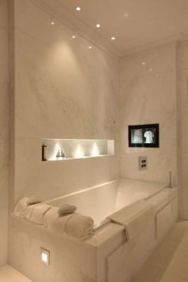 Fresh And Modern Bathroom Decoration Ideas 24