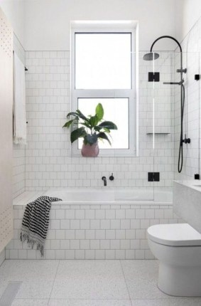Minimalist Small Bathroom Remodeling On A Budget 18