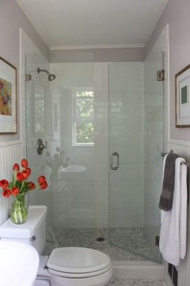 Minimalist Small Bathroom Remodeling On A Budget 35