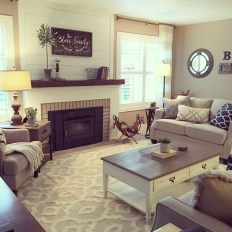 Modern Farmhouse Living Room Design Ideas 17