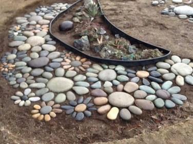 Relaxing Modern Rock Garden Ideas To Make Your Backyard Beautiful 07