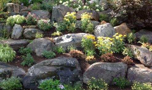 Relaxing Modern Rock Garden Ideas To Make Your Backyard Beautiful 10