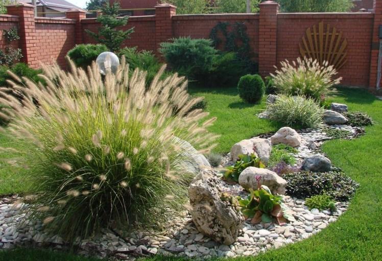 Relaxing Modern Rock Garden Ideas To Make Your Backyard Beautiful 13