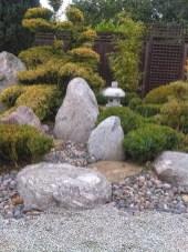 Relaxing Modern Rock Garden Ideas To Make Your Backyard Beautiful 30
