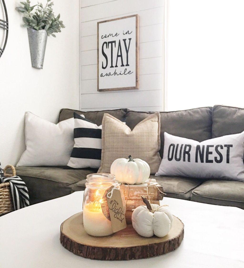 Stunning Fall Living Room Decoration Ideas 44