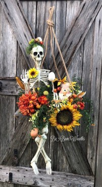 Top Halloween Outdoor Decorations To Terrify People 07
