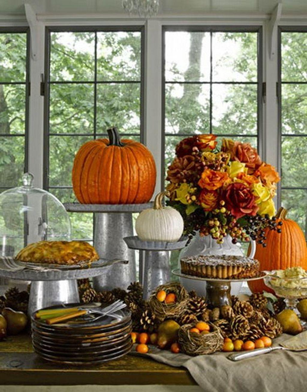 Beautiful Thanksgiving Table Decoration Ideas 36