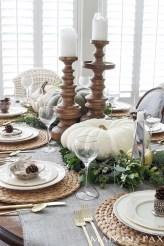 Beautiful Thanksgiving Table Decoration Ideas 51