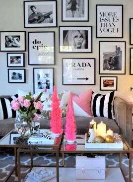 Brilliant Living Room Wall Gallery Design Ideas 44
