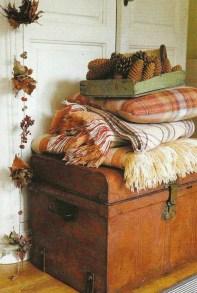Cozy Fall Bedroom Decoration Ideas 12