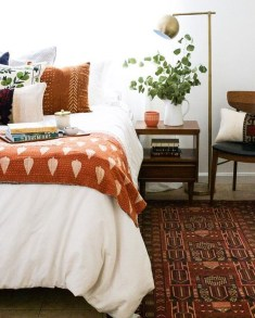 Cozy Fall Bedroom Decoration Ideas 13