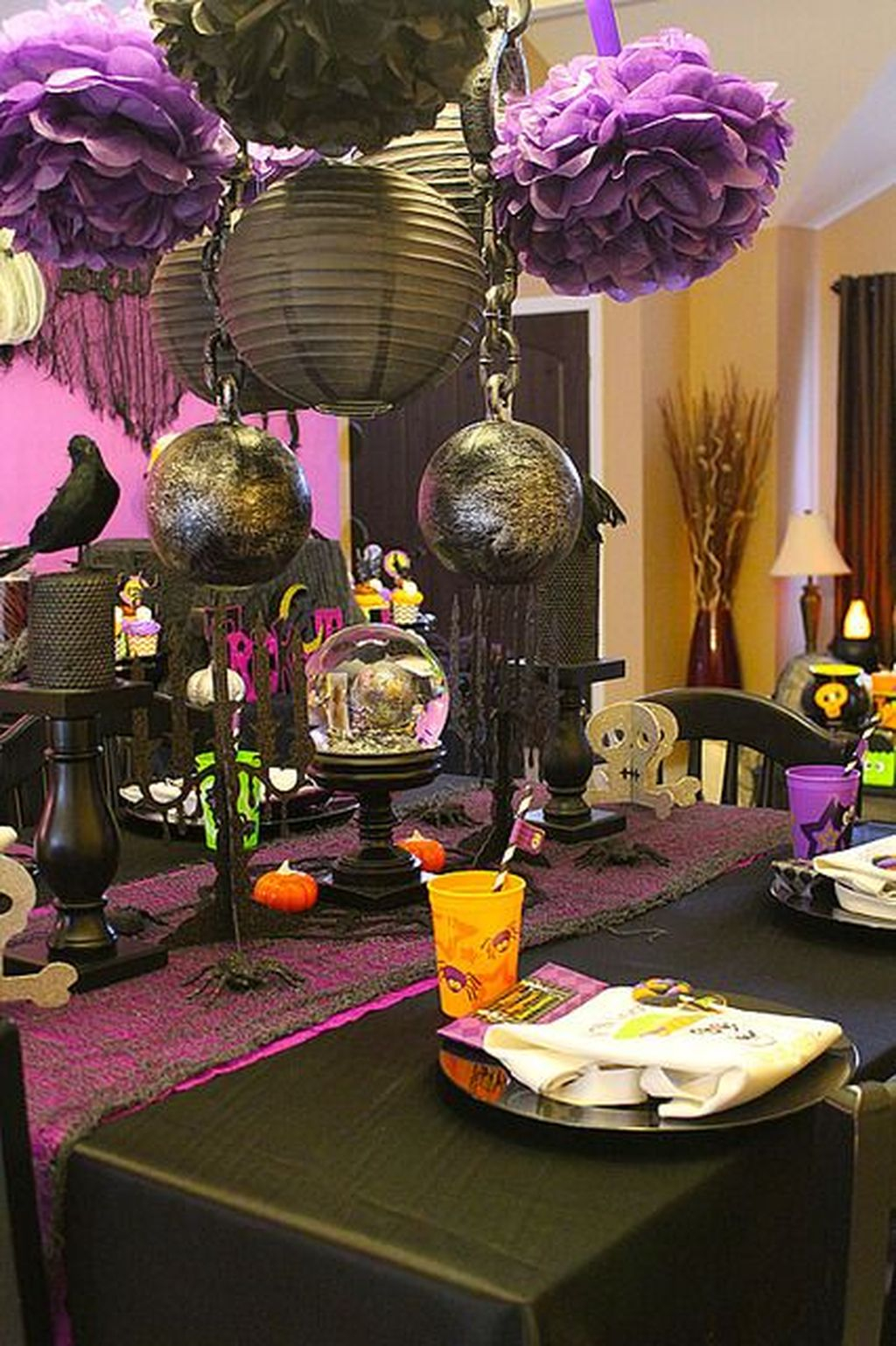 Creepy Decorations Ideas For A Frightening Halloween Party 01