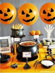 Creepy Decorations Ideas For A Frightening Halloween Party 22