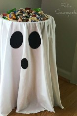 Creepy Decorations Ideas For A Frightening Halloween Party 23