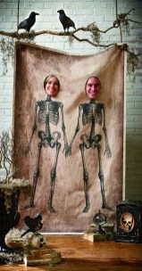 Creepy Decorations Ideas For A Frightening Halloween Party 37