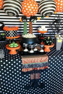 Creepy Decorations Ideas For A Frightening Halloween Party 39
