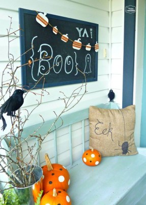 Elegant Outdoor Halloween Decoration Ideas 35