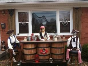 Elegant Outdoor Halloween Decoration Ideas 43