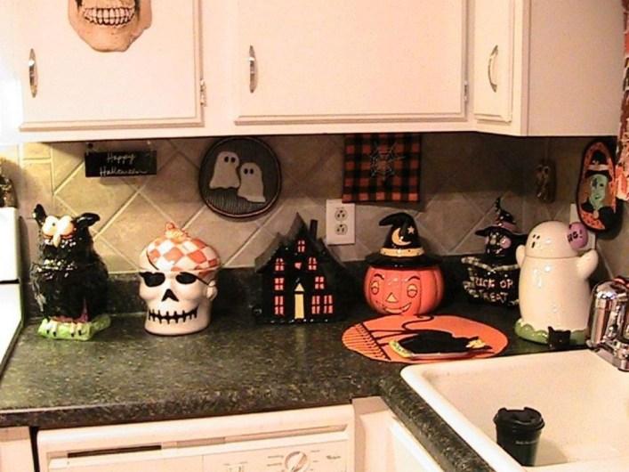 Fabulous Halloween Decoration Ideas For Your Kitchen 44