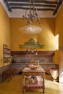 Luxury Tuscan Kitchen Design Ideas 37