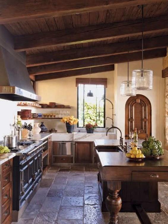 Luxury Tuscan Kitchen Design Ideas 38