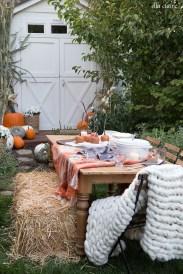 Simple Fall Table Decoration Ideas 02