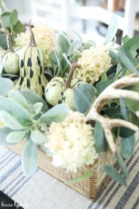 Simple Fall Table Decoration Ideas 09