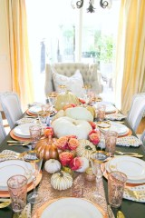 Simple Fall Table Decoration Ideas 12