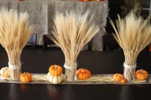 Simple Fall Table Decoration Ideas 24