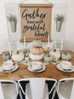 Simple Fall Table Decoration Ideas 25