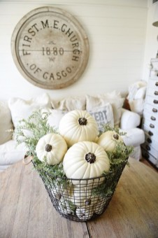Simple Fall Table Decoration Ideas 27
